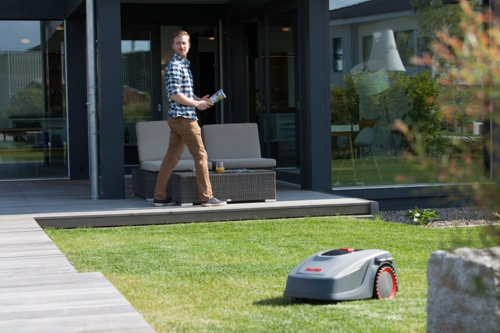 Robotgräsklippare AL-KO Robolinho E 500 test omdöme gräsmattan